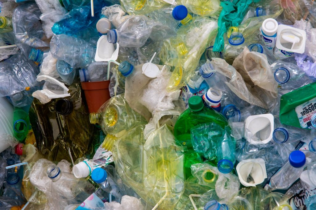 single-use plastic via Pexels